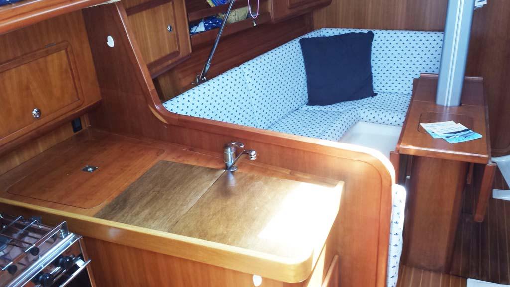 Boat-&-breakfast-Asinara-interno-barca-2